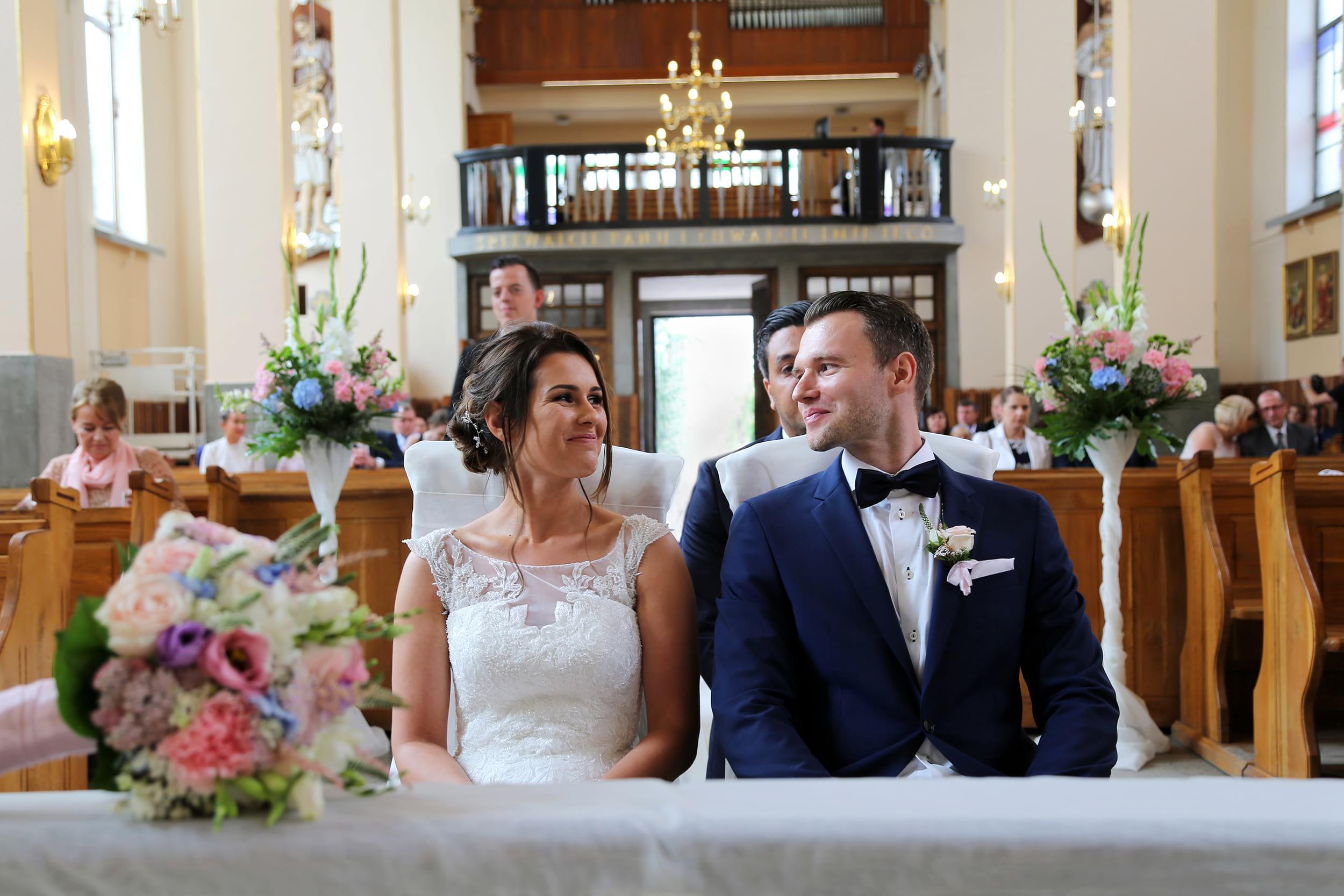 fotografia z ceremonii ślub kościelny