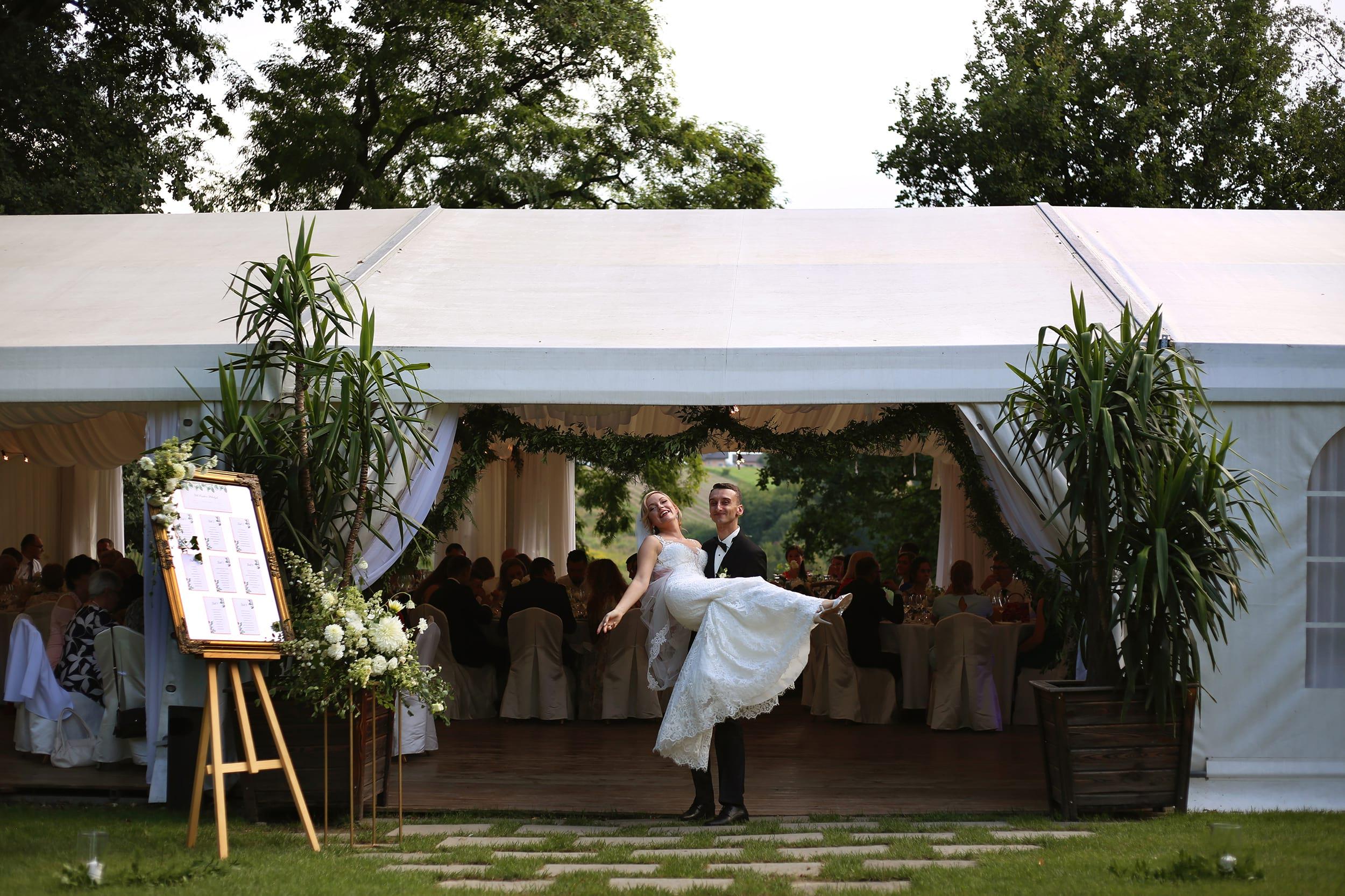 reportaż ślubny plenerowy ślub i wesele